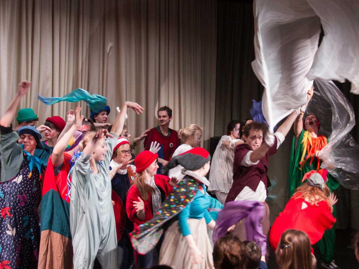 Пятый ежемесячный фестиваль «Школа искусств» состоялся в нижегородской школе-интернате для глухих детей
