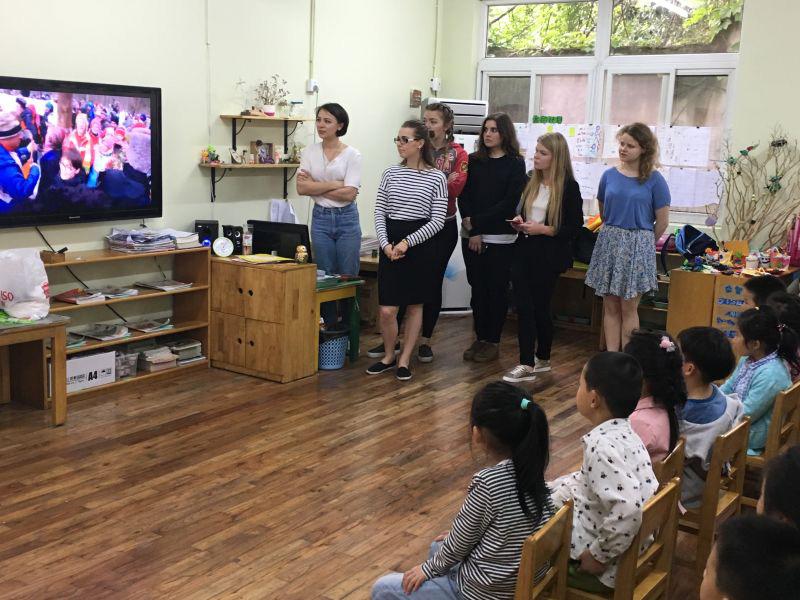 Студенты Мининского университета рассказали китайским детям о России и Нижнем Новгороде