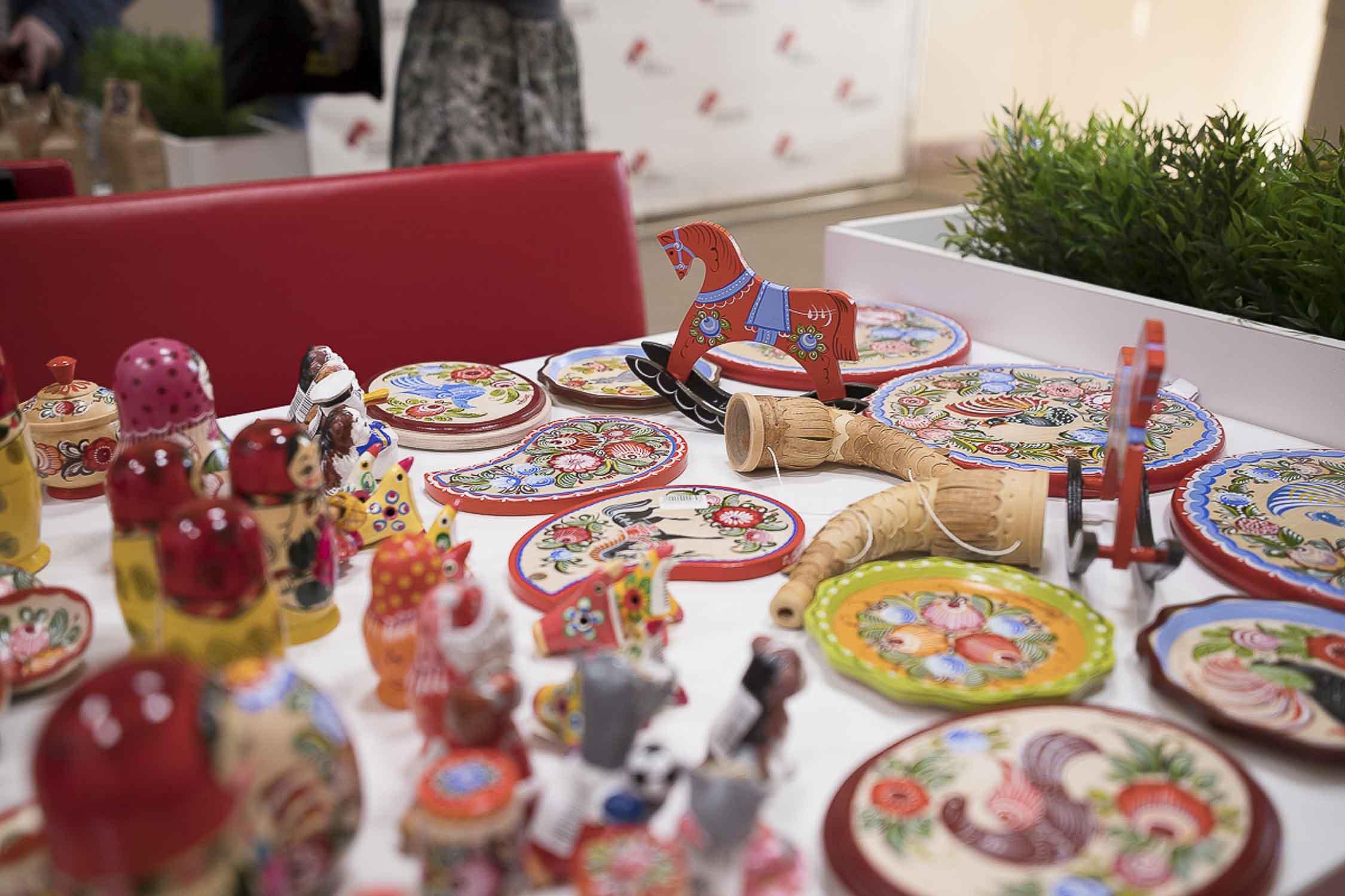 Фундаментальная библиотека НГПУ им. К. Минина представляет виртуальную книжную выставку «Русь мастеровая»