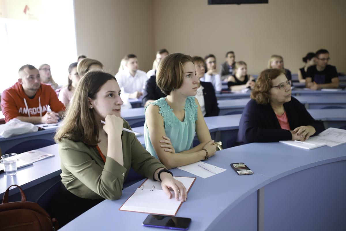 Мининский университет организовал программу дополнительного образования для иностранных студентов