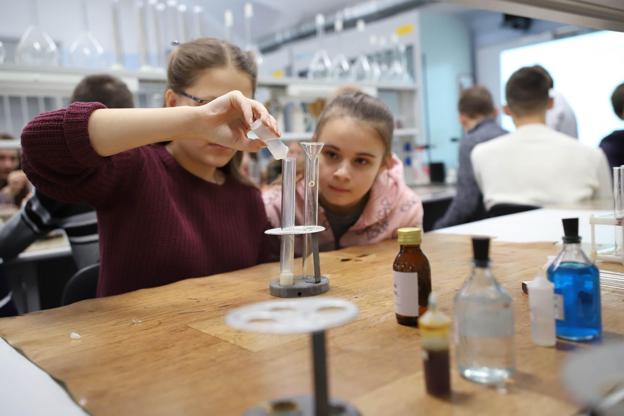 В рамках проекта Мининского университета «Нижегородский волонтер дистанта» большое количество заявок поступило студентам-волонтерам профиля «Биология и Химия»