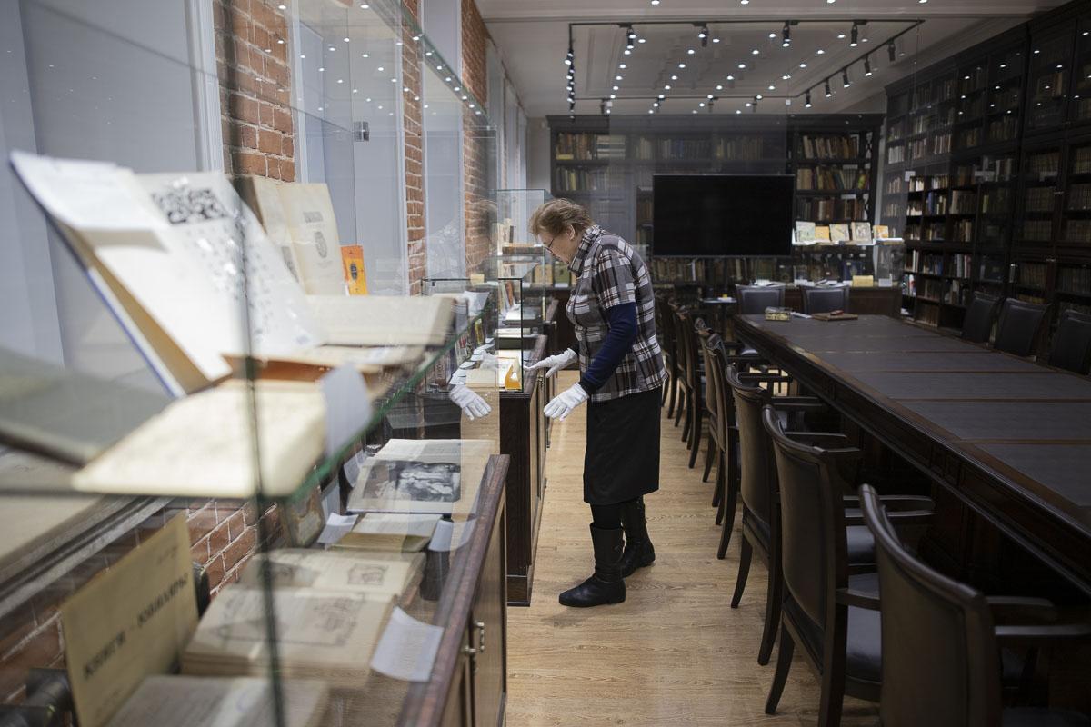 Библиотека Мининского  университета представляет виртуальную книжную выставку «Для настоящих мужчин»