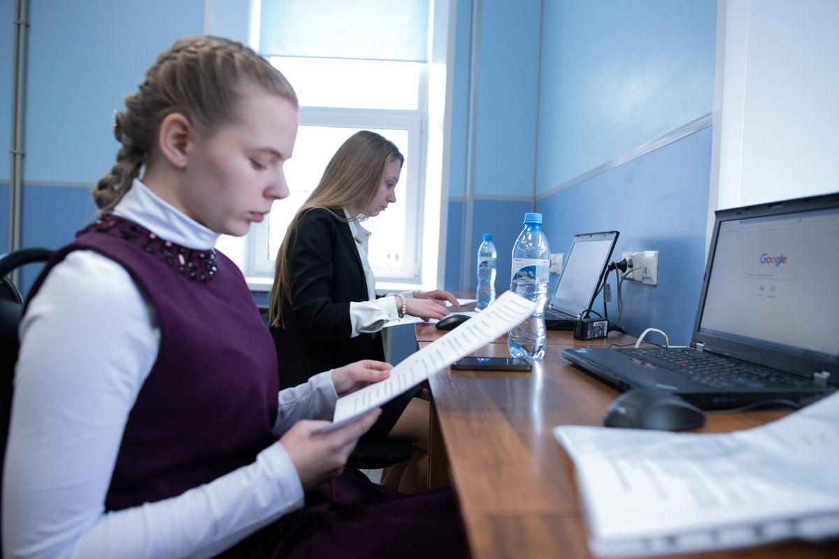 Помощь учителю начальных классов в дистанционном обучении от волонтеров Мининского: как была построена работа и с какими проблемами столкнулись педагоги