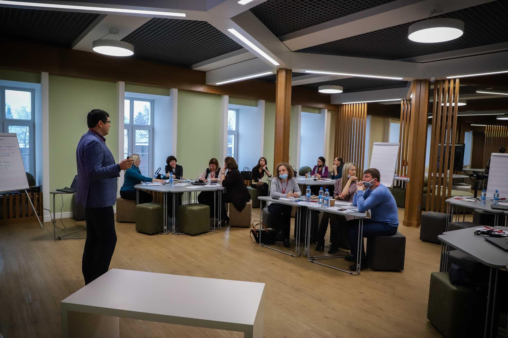 В Мининском университете стартовала программа дополнительного образования «Лидерство в образовании: командная траектория»