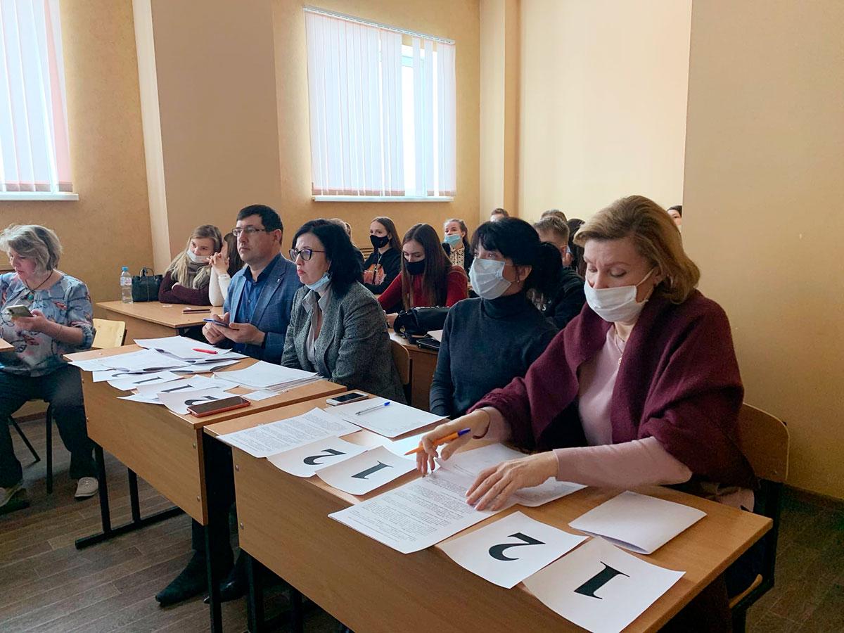 25 февраля на факультете управления и социально-технических сервисов прошел отборочный внутривузовский этап «Интеллектуальной олимпиады среди студентов ПФО»