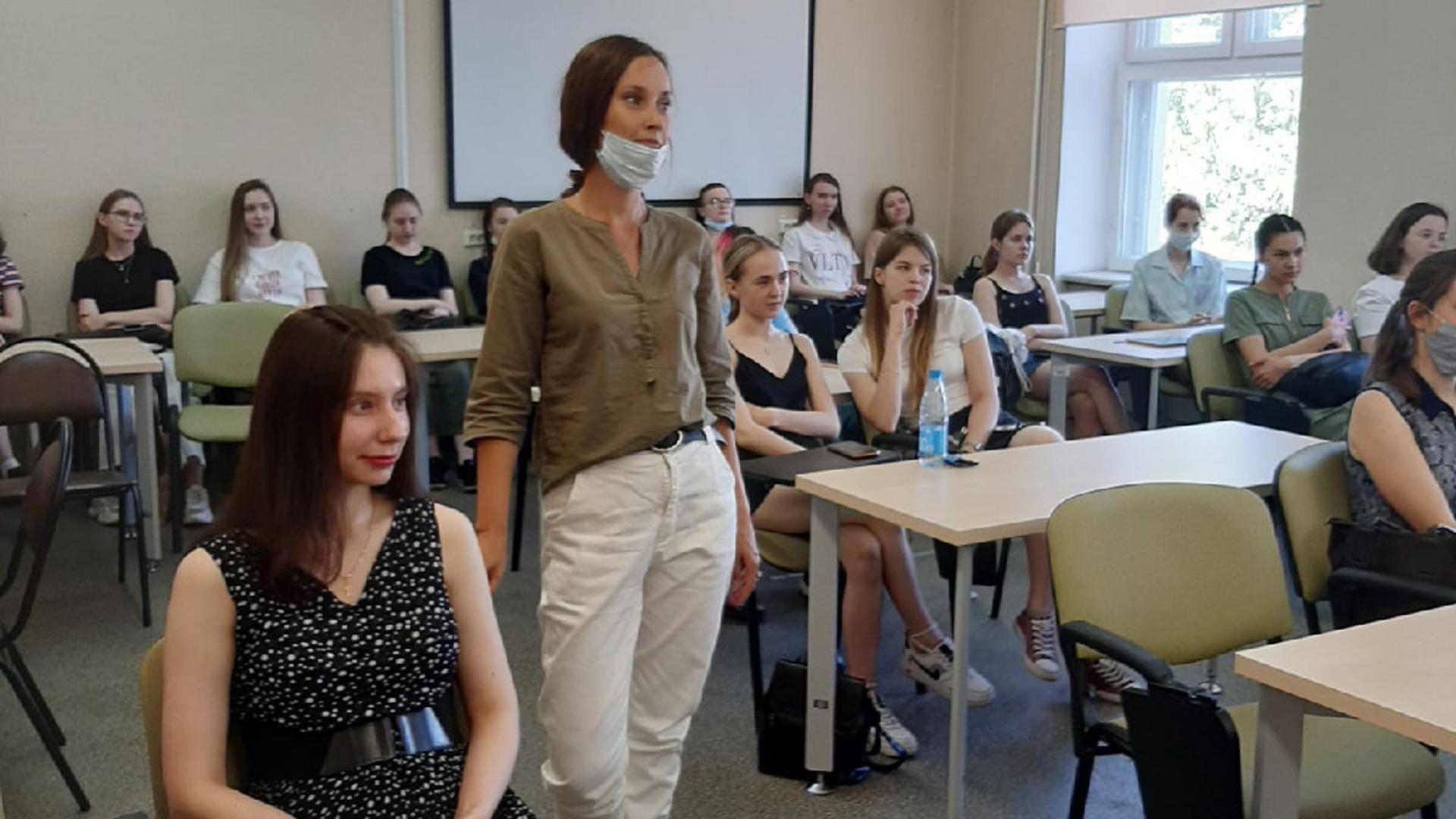 Студенты факультета дизайна, изящных искусств и медиа-технологий провели встречу