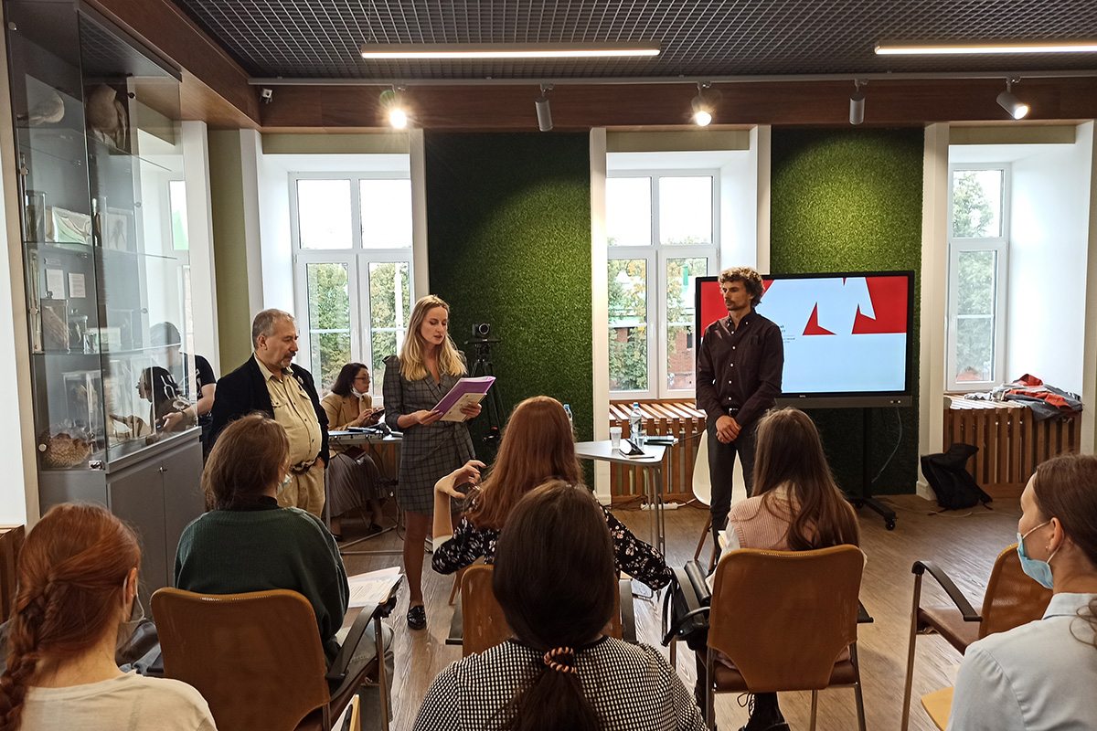 Студенты и преподаватели Мининского университета встретились с членами группы по вопросу исследования проблемы использования невостребованных сельскохозяйственных земель