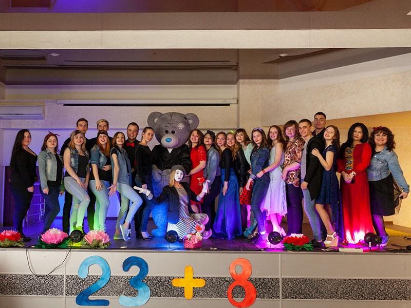 Концерт «23+8» на факультете управления и социально-технических сервисов прошел 6 марта