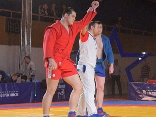 Студент Мининского университета Александр Тунаков стал победителем Чемпионата России по самбо среди студентов