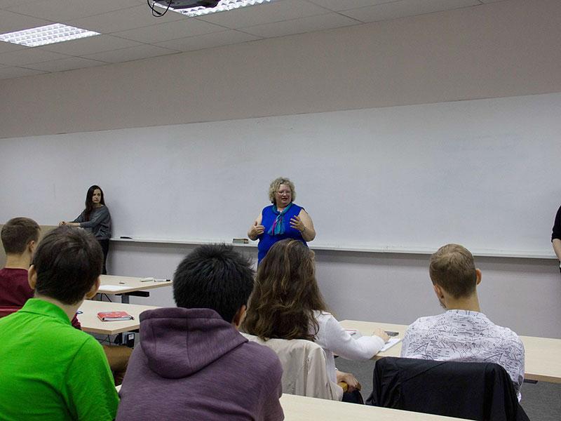 Мининский университет посетила зав.кафедрой социальной работы колледжа в Брокпорте г-жа Дебра Фромм Фариа
