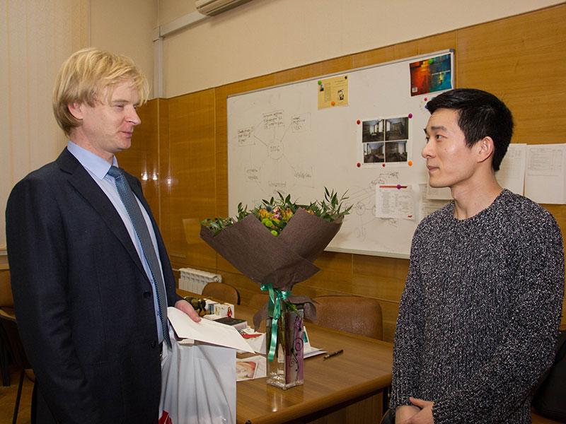 Преподаватель китайского языка Дун Ли возвращается в Аньхой после успешной работы в Мининском университете
