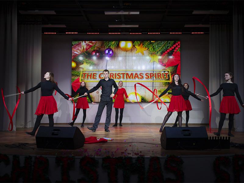 24 декабря в главном корпусе Мининского университета прошёл традиционный новогодний концерт The Christmas Spirit