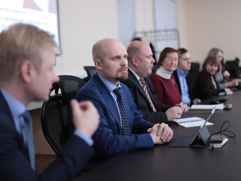 Мининский университет представил проект «Ресурсный центр развития народных художественных промыслов и декоративно-прикладного искусства Нижегородской области»