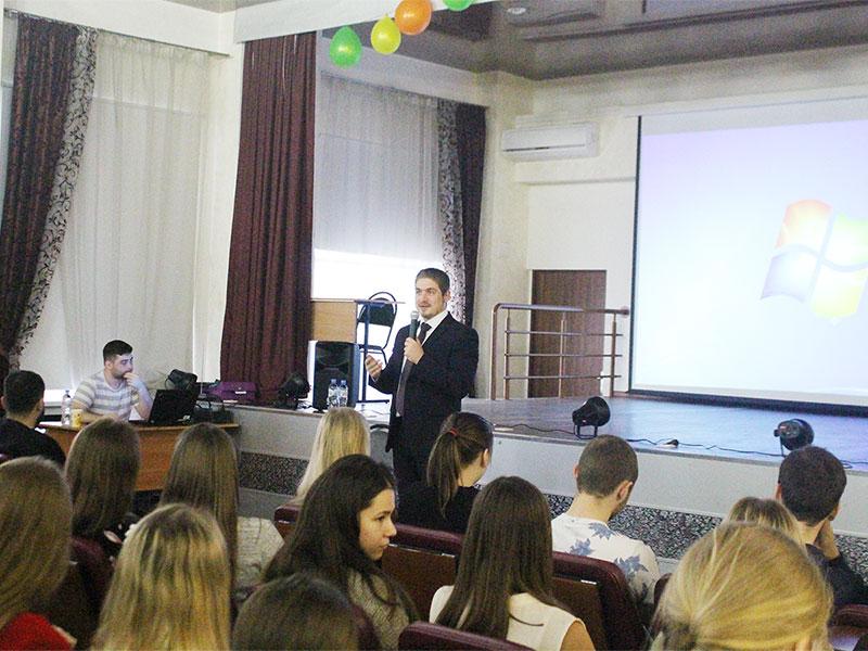 Встреча с представителями  компании «Антарес» со студентами состоялась на факультете управления и социально-технических сервисов