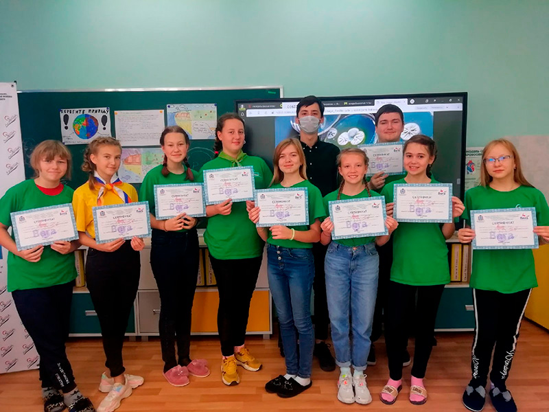 Студенты Мининского университета приняли участие в профильной смене школьников по направлению «Наука» региональной проектной линии «Талант 52»
