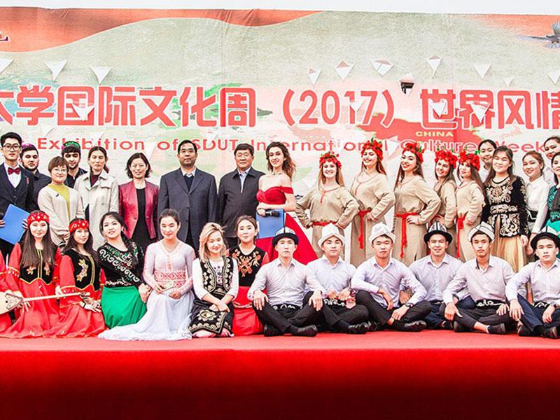 Студенты 3 курса ФГН вернулись с учебы в Китае