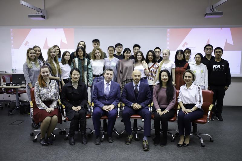 Школа языка и культуры для студентов из Китая открылась в Мининском университете