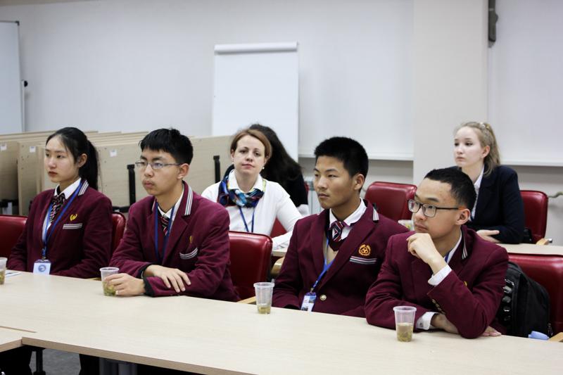 Школьники из Китая посетили