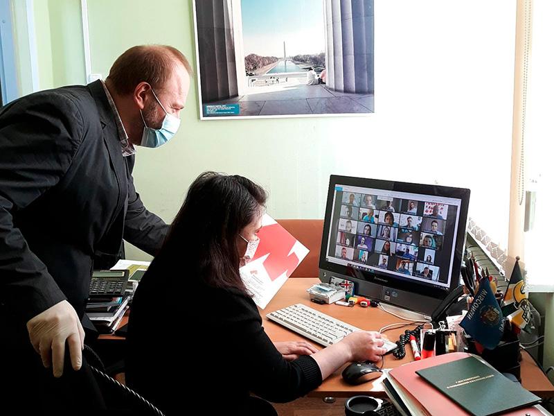 Преподаватели Мининского университета приняли участие в онлайн-форуме «Как надежно провести предприятие по незнакомым «акваториям»: компас успеха во времена постоянных изменений»