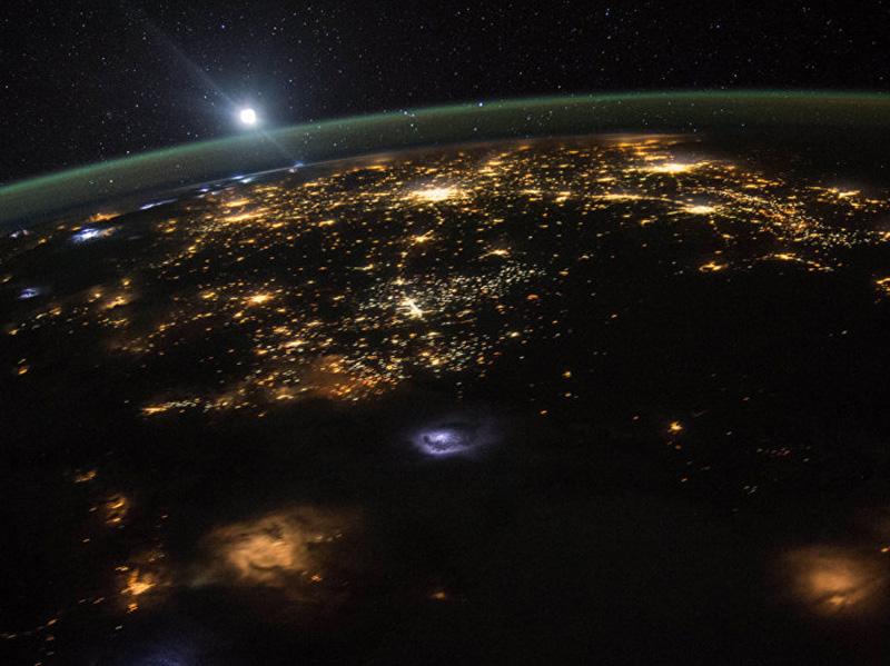 В преддверии Дня космонавтики преподаватель Мининского университет ответит на вопросы о космосе онлайн