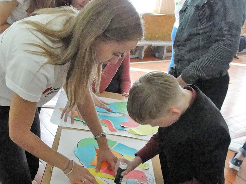 В Международный день благотворительности прошли новые мастер-классы, творческие конкурсы и спортивные состязания в рамках акции от РУМЦ Мининского университета «Цветы добра»