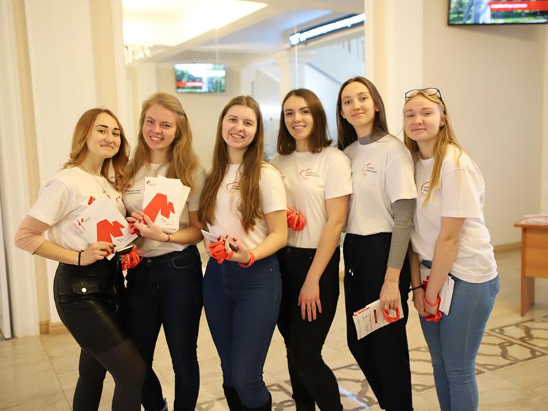 День открытых дверей в формате выставки факультетов прошел в Мининском университете