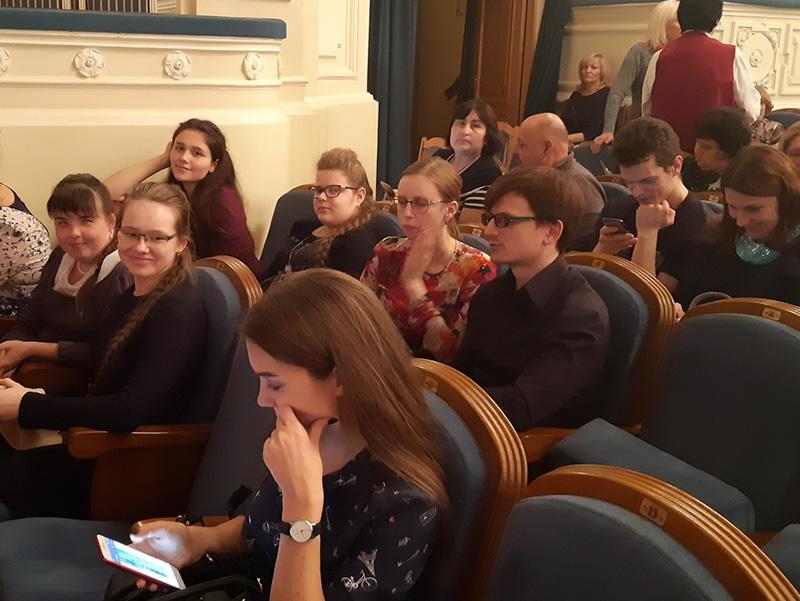 Первокурсники ФДИИМТ приняли участие в работе инклюзивной площадки по проекту