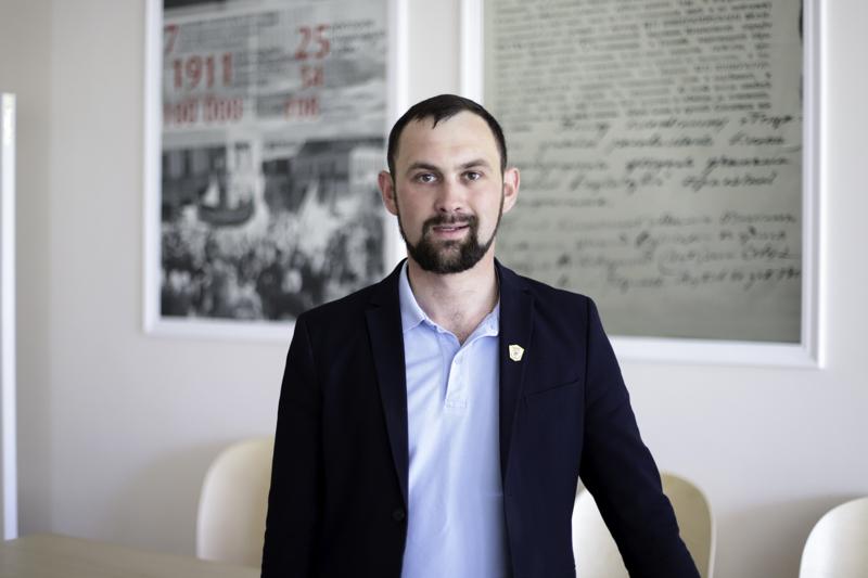 «Физика без экспериментов невозможна»: выпускник Мининского университета, победитель регионального этапа конкурса «Учитель года 2019», о творческом подходе в преподавании физики в школе