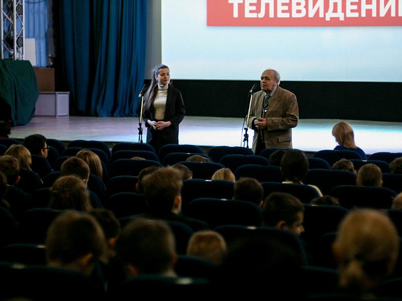 Студентка ФДИИМТ Екатерина Кузнецова стала соавтором фильма к юбилею Валерия Чкалова