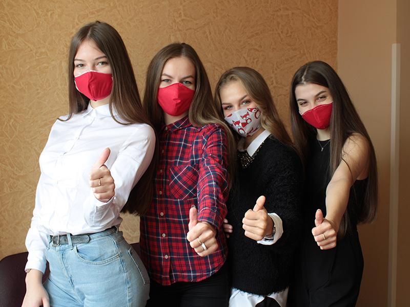 В Мининском университете прошла акция «Сшей маску себе и волонтеру Мининского»