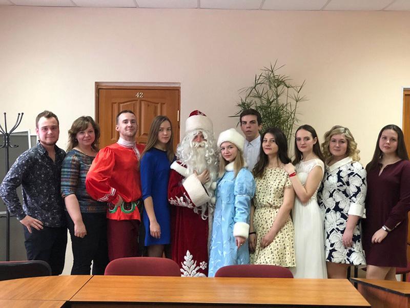 В рамках реализации проекта «Территория возможности» прошел новогодний концерт в Комплексном центре социального обслуживания населения Автозаводского района