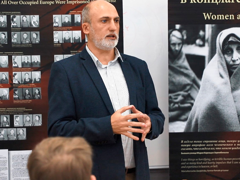 Выставка фотодокументов ко дню памяти жертв фашизма прошла в Мининском университете