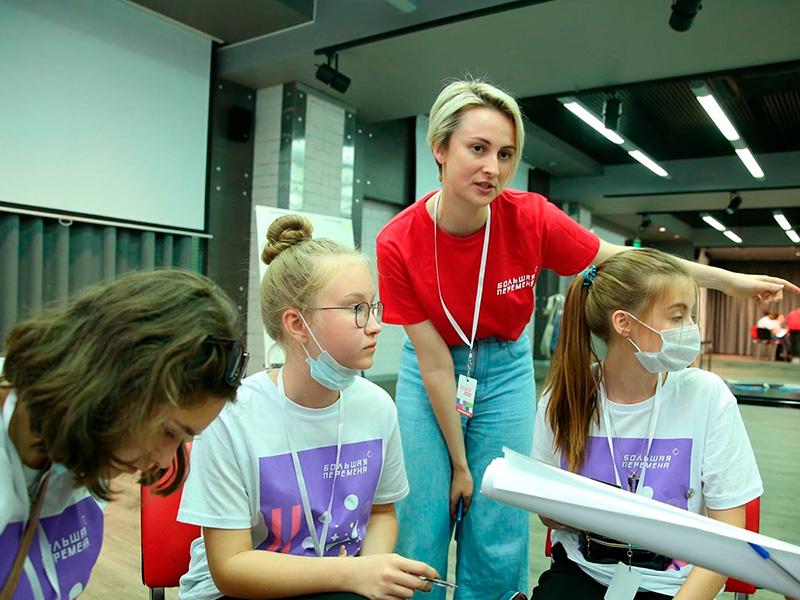 30 студентов Мининского университета являются вожатыми команд и помощниками организаторов на Всероссийском конкурсе «Большая перемена»