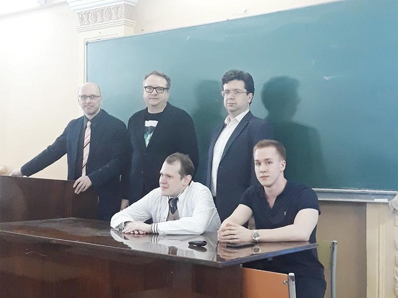 Студенты Мининского университета приняли участие в дискуссии «Сверхчеловек: будущее сегодня»