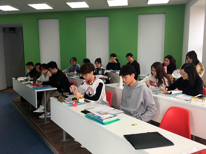 На подготовительном отделении Мининского университета завершился учебный год для иностранных слушателей