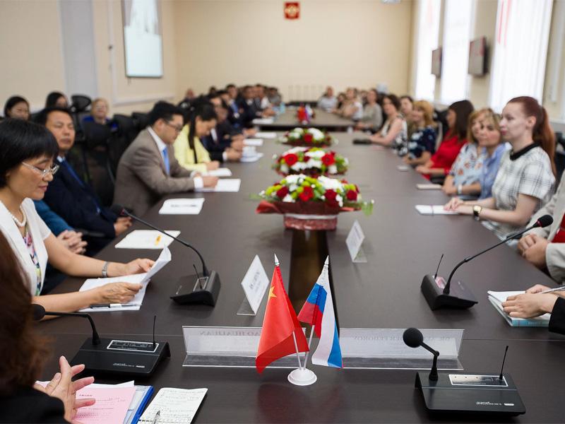 Мининский университет встречает китайских партнёров