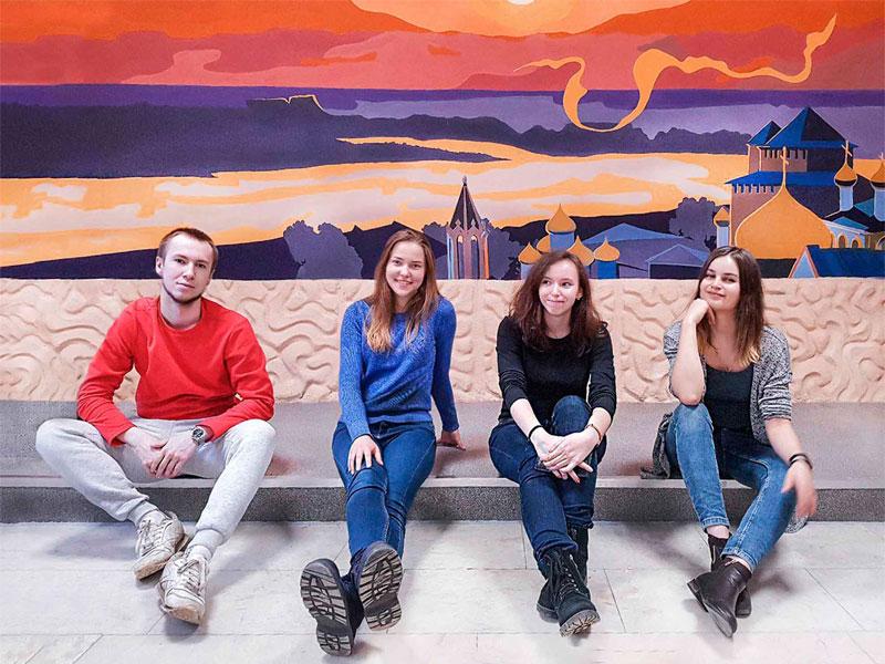 Студенты факультета дизайна, изящных искусств и медиа-технологий создали два масштабных живописных полотна