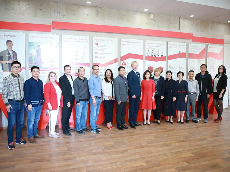 Ректор Мининского университета встретился с делегацией из Хуайнаньского педагогического университета