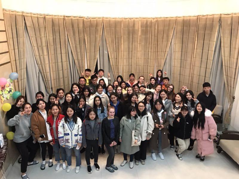 Студенты Мининского провели семестр в Сианьском университете перевода