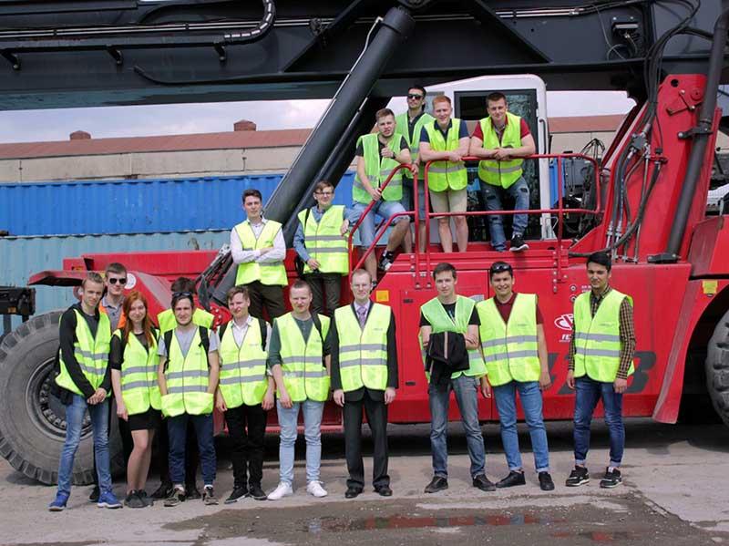 Студенты ФУиСТС посетили логистический комплекс «Логопром Сормово»