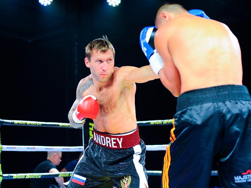 Магистрант, боксер Андрей Сироткин одержал победу в бою на международном турнире по боксу Kold Wars