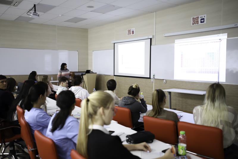 Лекции, посвященные проблемам современной химии в парадигме истории и философии, прошли в Мининском университете